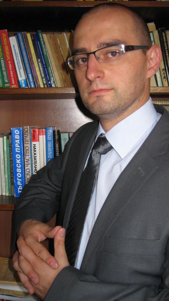 адвокат Лазар Белев